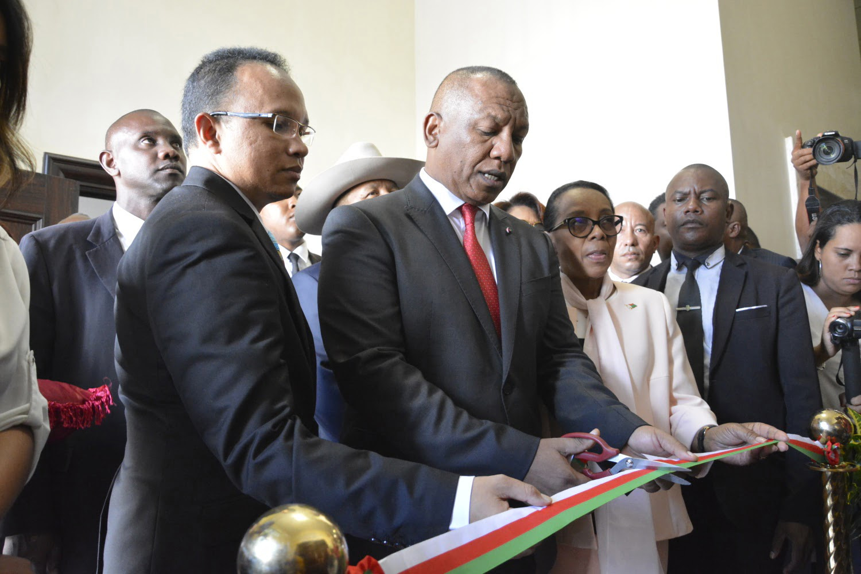 Inauguration Galerie Des Mines De Madagascar - 1